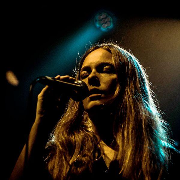 We Are Birds: Concert Live Somewhere album - Hannah Tolf