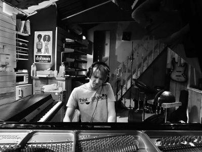 WE ARE BIRDS - Studio - Tuomas A. Turunen - Piano